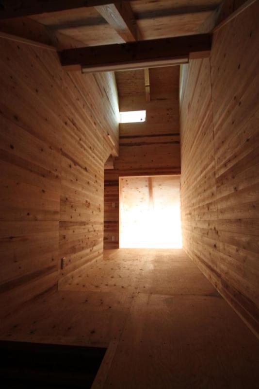 strage room of caveI, Image Courtesy © Kikuma Watanabe