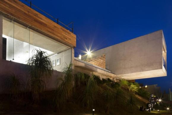 External view of the Gallery, with Bar on the right, Image Courtesy © Gabriel Castro