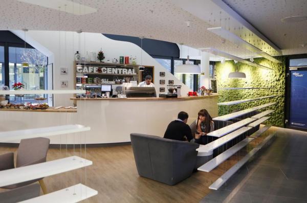 Ground Floor_Meet & Create_Barista Bar_Cafe Central, Image Courtesy © Thomas Beyerlein