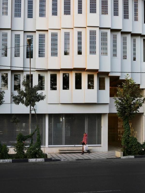 Exterior, Image Courtesy © Pooyeh Nouryan
