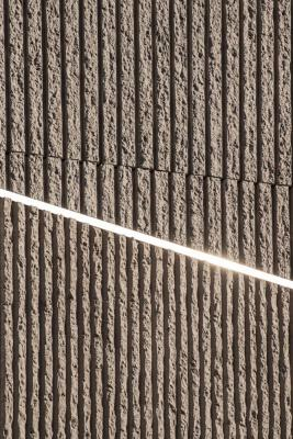 """sun reflection becomes a sort of """"light blade"""" that highlights the texture change, Image Courtesy © Alessandro Ruzzier"""