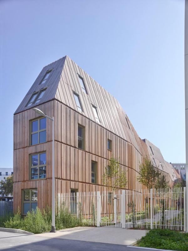 B1 housing with wodden cladding, Image Courtesy © Stéphane Chalmeau