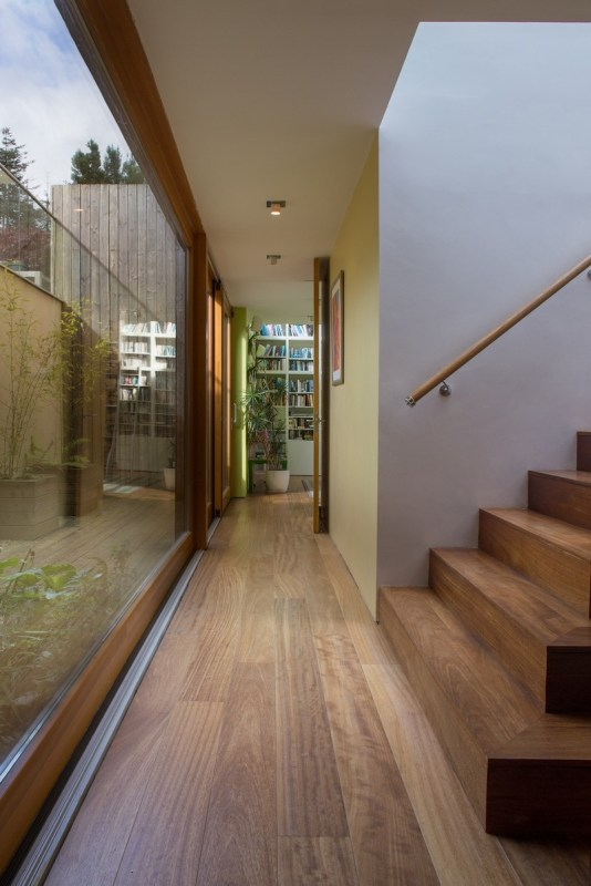 secret staircase – circulation space naturally lit by sunken external courtyard, Image Courtesy © Paul Tierney