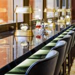 Bar seating at the window, Image Courtesy © Gareth Gardner