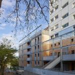 New construction colonize the building rehabilitated, Image Courtesy © Stéphane Chalmeau