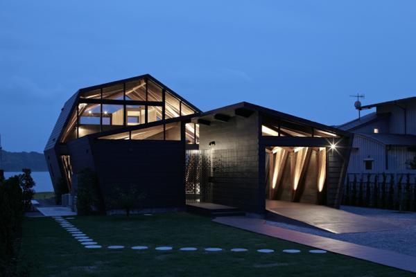 Image Courtesy © Takeshi Hirobe Architects