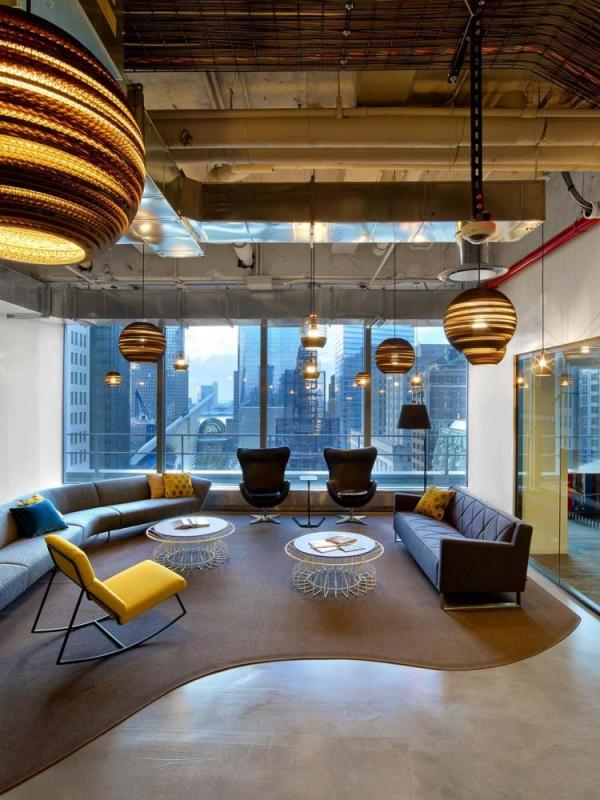 visual connection to 1 WTC via feature seating area, Image Courtesy © Eric Laignel
