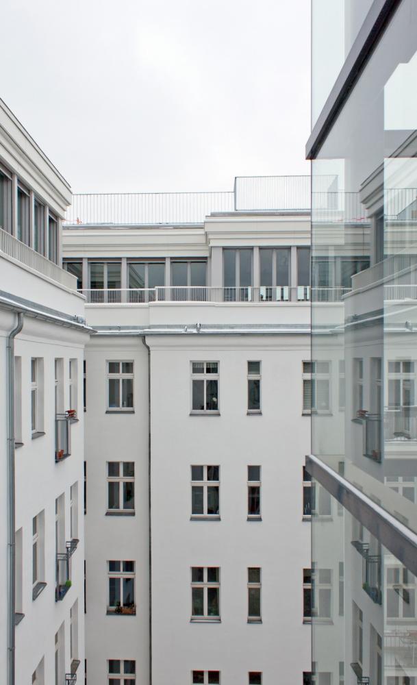 deckwei in berlin germany by brandt simon architekten. Black Bedroom Furniture Sets. Home Design Ideas