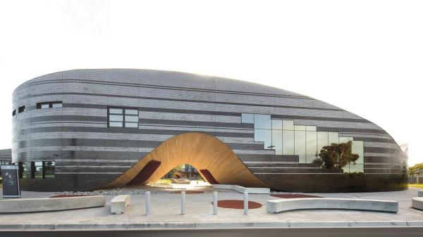 McBride Charles Ryan – The Infinity Centre, Penleigh and Essendon Grammar School, Image Courtesy © John Gollings