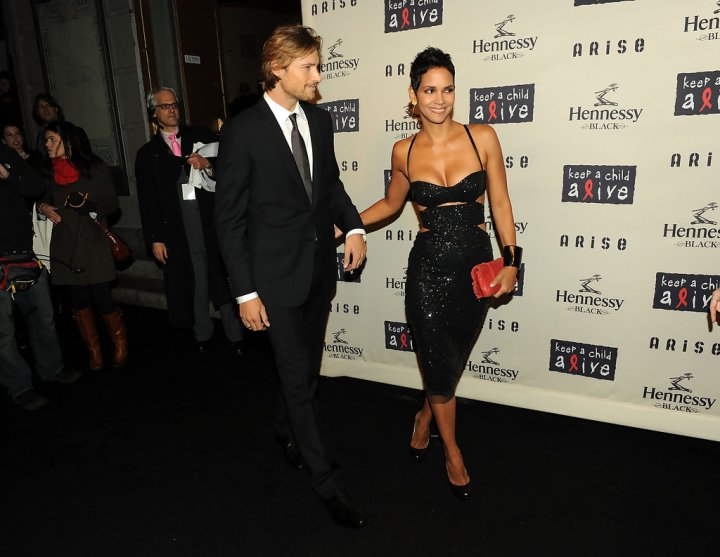 Halle Berry 'Not Dating' as Oliver Martinez Tries to Move On: Sources ...