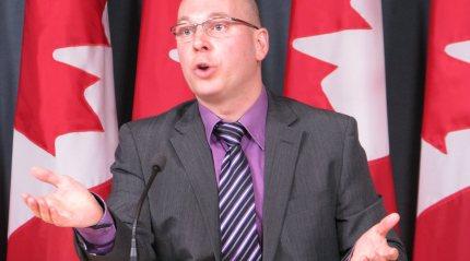 Le porte-parole aux langues officielles pour le Nouveau Parti démocratique, François Choquette.  Benjamin Vachet
