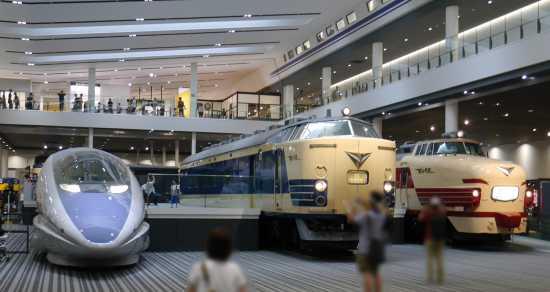 京都鉄道博物館 本館