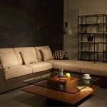 優しい色のソファで作るエレガントな印象のモダンコーディネート