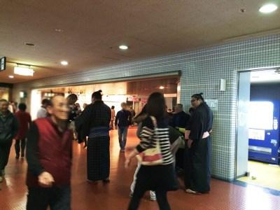 大相撲 春場所 三月場所 大阪場所 会場 当日券 座席表 取組 結果 星取表