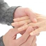 女性の指輪サイズの測り方、さりげなくて絶対バレない方法!