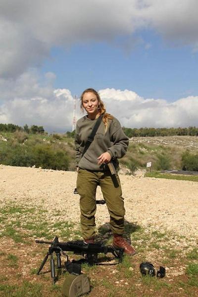 イスラエル軍の女性兵士130