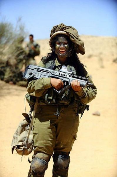 イスラエル軍の女性兵士98