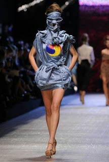 ファッションショー75