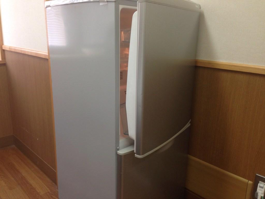 冷蔵庫 うるさい 音 寿命