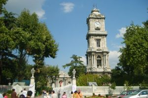 برج الساعة في قصر دولما بهتشه