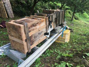 胴式巣箱と重箱式巣箱