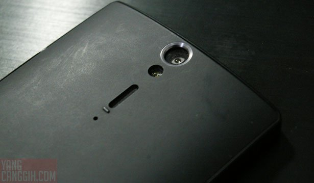 xperia s back camera flash Review: Sony Xperia S smartphone review mobile gadget
