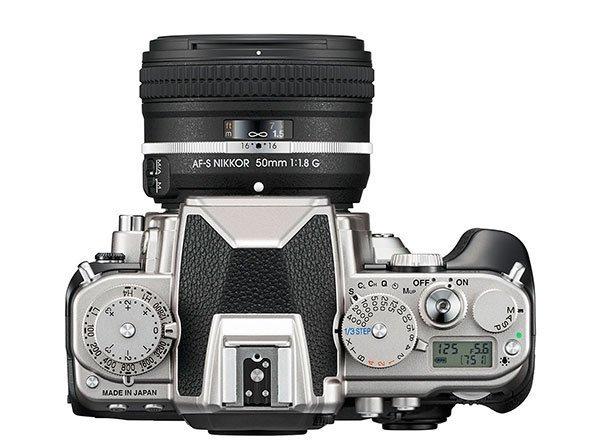 Nikon Df atas
