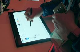 ces 2016 lenovo thinkpad x1 yoga pen