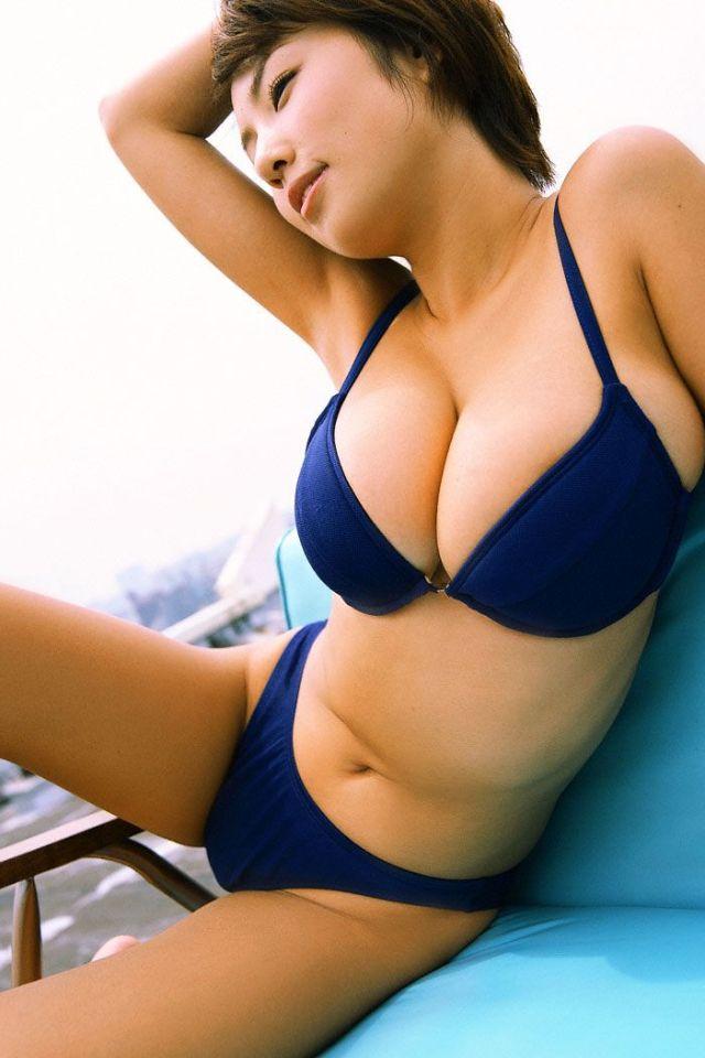 巨乳女性タレントのエッチな画像-177
