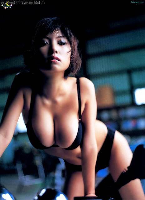 巨乳女性タレントのエッチな画像-175