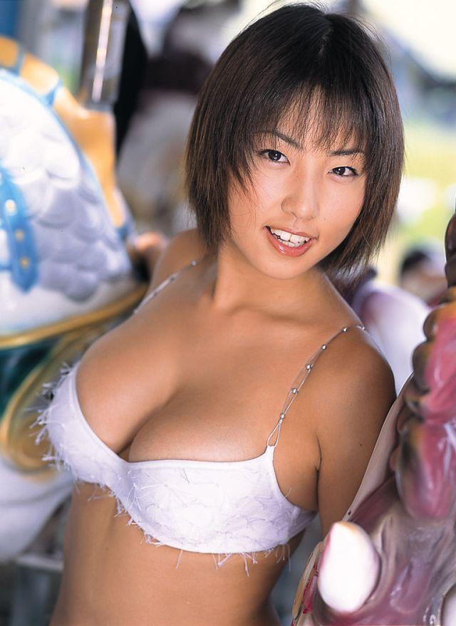 巨乳女性タレントのエッチな画像-137