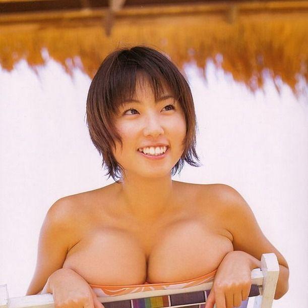 巨乳女性タレントのエッチな画像-120