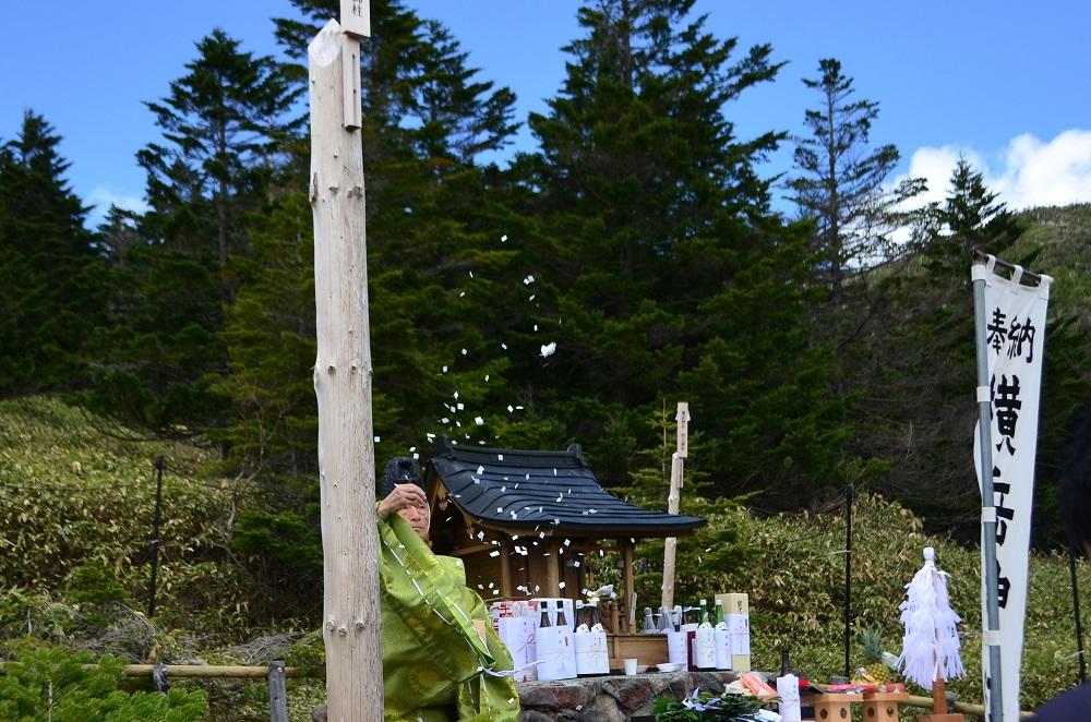横岳神社開山祭