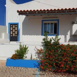 Cozy little house (2 bedroom) in Vale de Parra near galé beach and Salgados golf course, 10 min from Albufeira