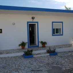 Small house in Vale de Parra near galé beach and Salgados golf course, 10 min from Albufeira