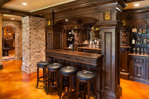 Traditional-Home-Bar