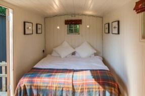 farmhouse-bedroom (1)