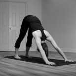 nicole_newman_upward_facing_dog_adho_mukha_svanasana_yoga_pose_2