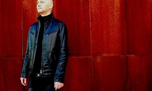 MAR PAREJA (Lagartija Nick) presenta álbum en solitario titulado Disonancia.