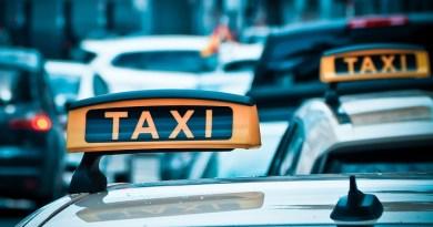 taxi-1515423_960_720