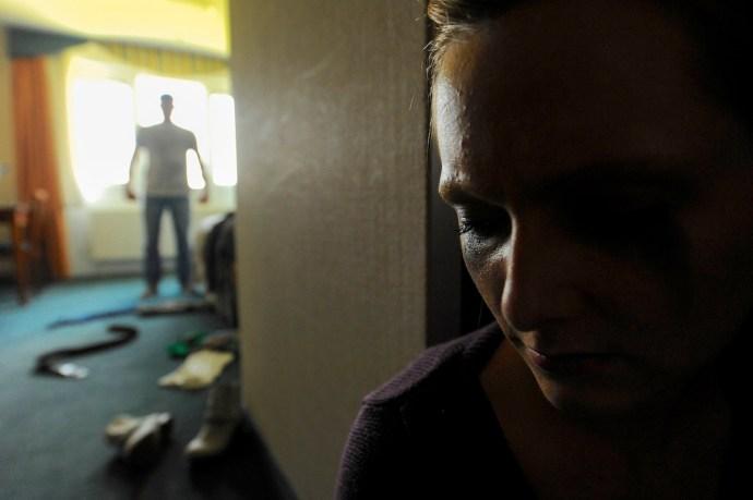 Domestic Violence Warning Signs Image