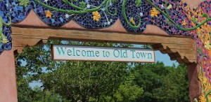 old-town-1468355_1920