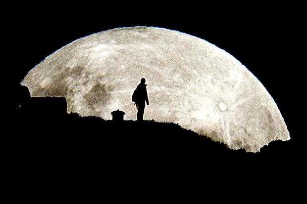 astronaut dark of the moon - photo #26
