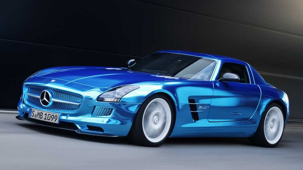 Mercedes joining the battle with tesla model s with new for Mercedes benz new electric car
