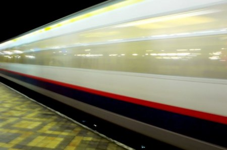 funny-short-story-speedy-train-platform