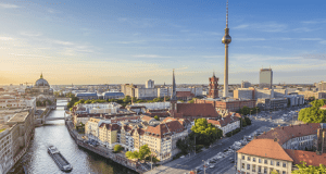 berlin_skyline_bei_sonnenuntergang