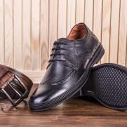 shoes-2593683_1280