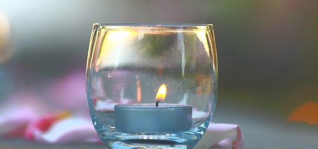 candle-1039538_640