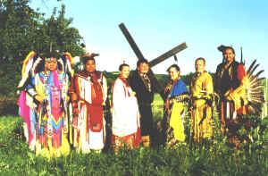Indianer in traditioneller Kleidung