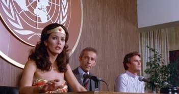 wonder-woman-speaks-at-un